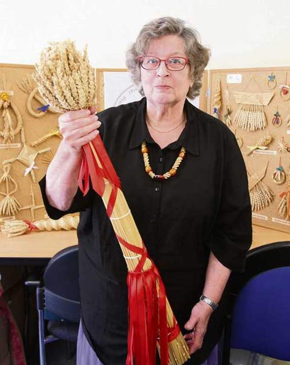 Museum holds first straw crafts day – review in local press