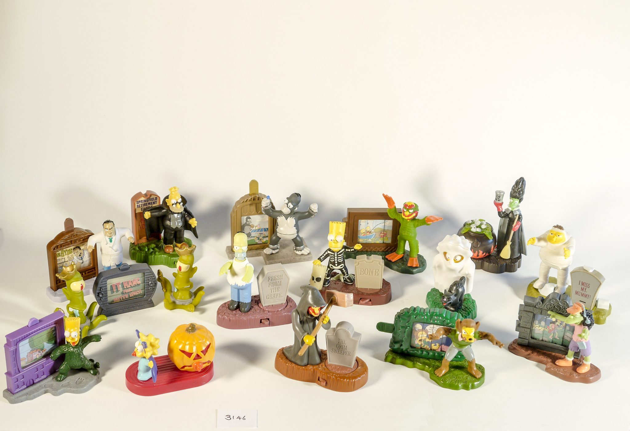 3146 – Simpsons Tree House of Horror figures  A set of Halloween plastic  figures deb77fdc9